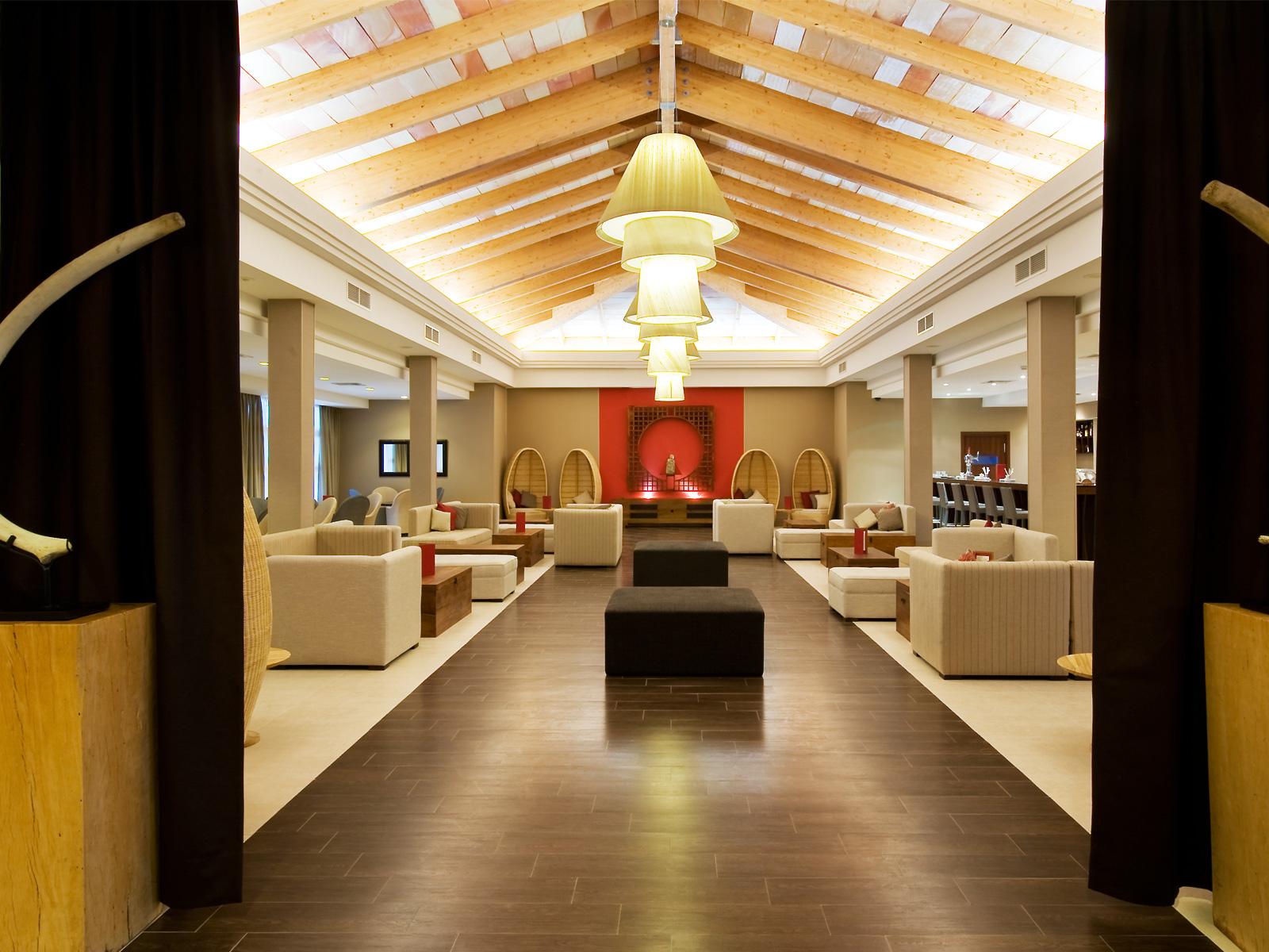 Interiore-Hoteles Vincci. Hotel Vincci Costa Golf Cadice