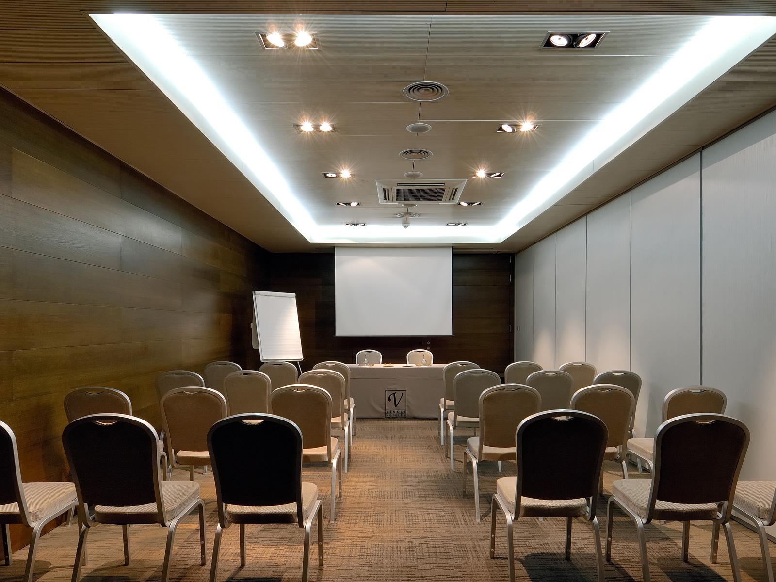 Leon Conference Room - Vincci Soho 4*