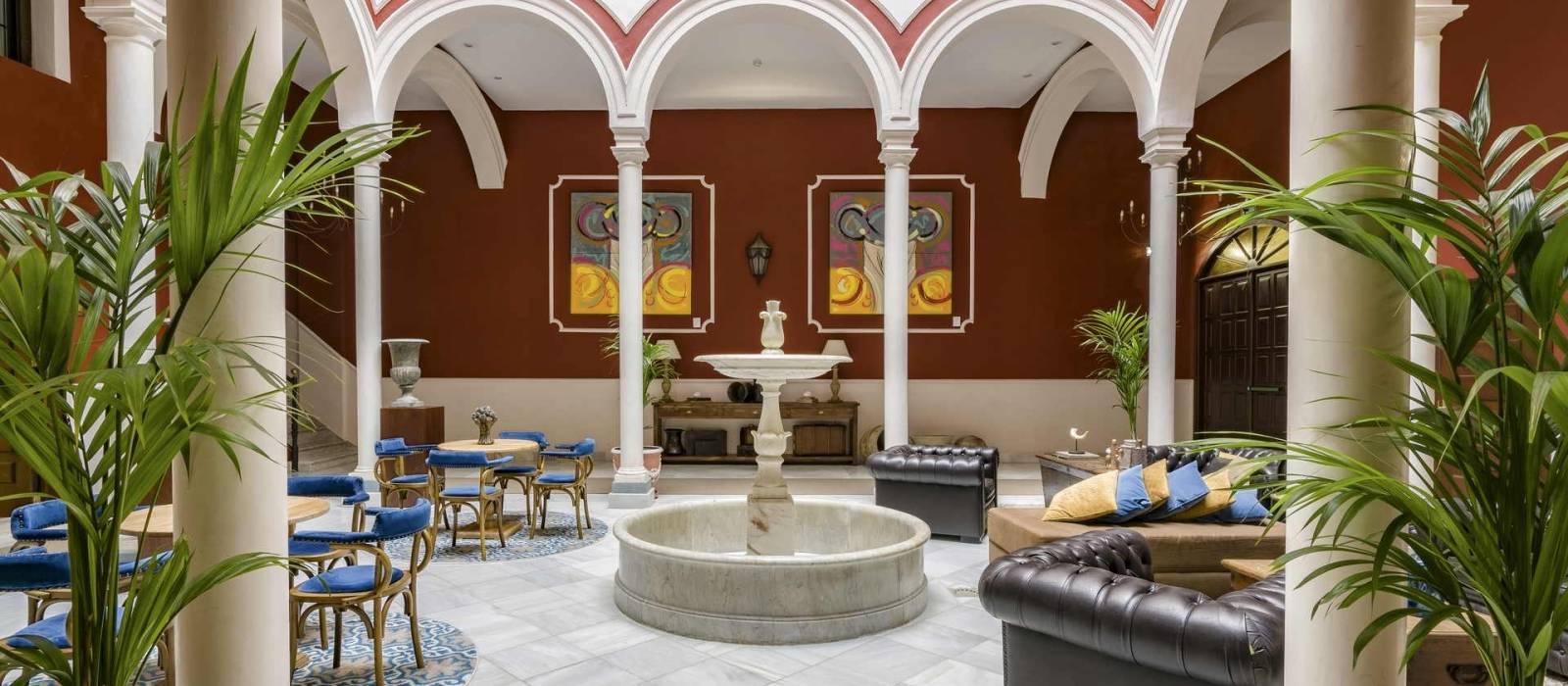 Patio interior Vincci La Rabida Sevilla