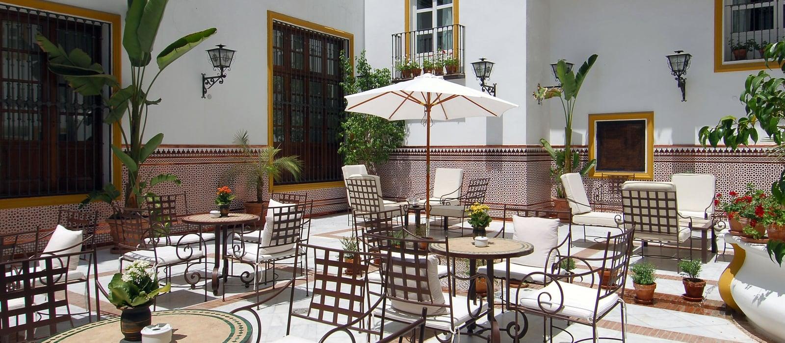 Dienstleistungen hotel vincci sevilla la rabida patio - Patios andaluces decoracion ...