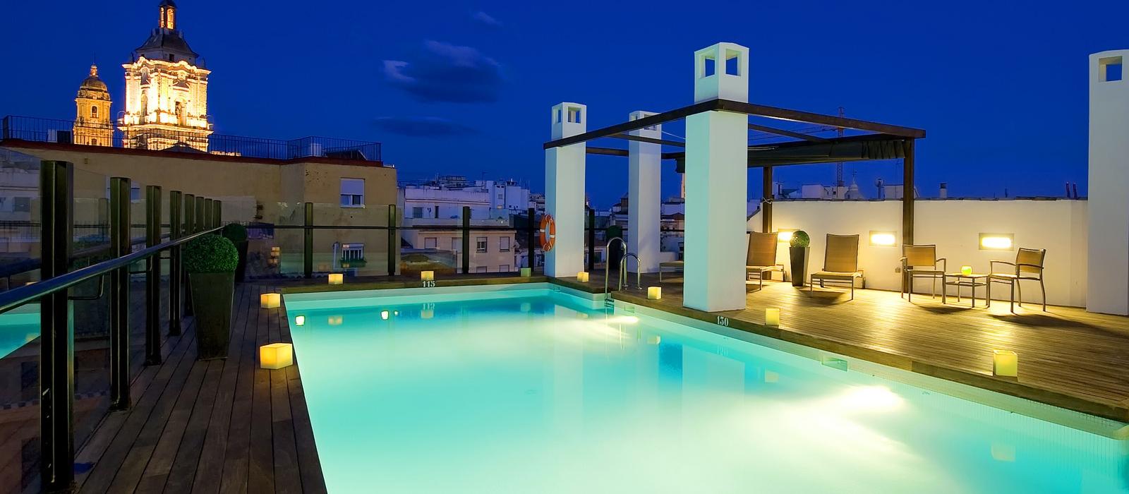 Services Hotel Málaga Posada del patio - Vincci Hotels - Plunge pool