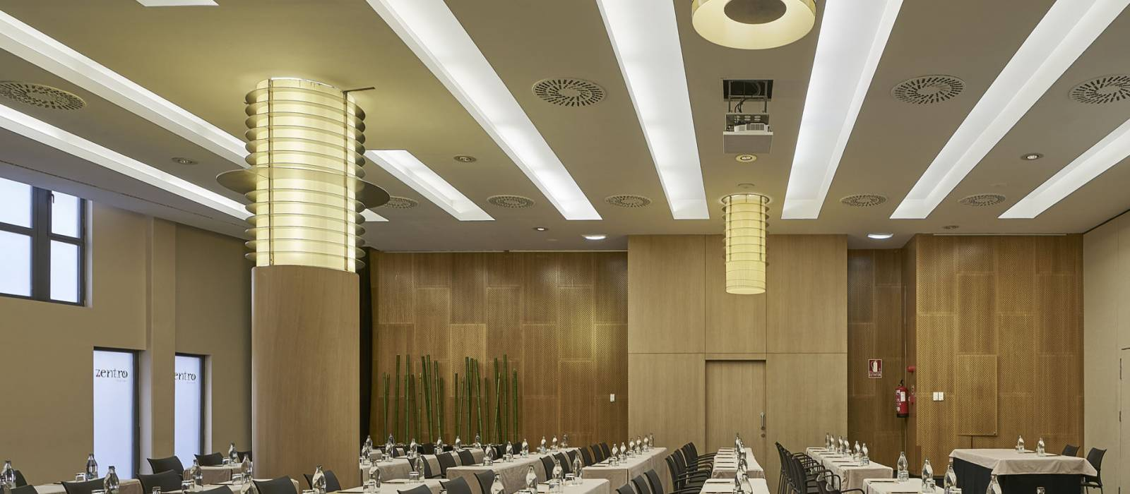 Meetings and Events - Vincci Zentro 4*
