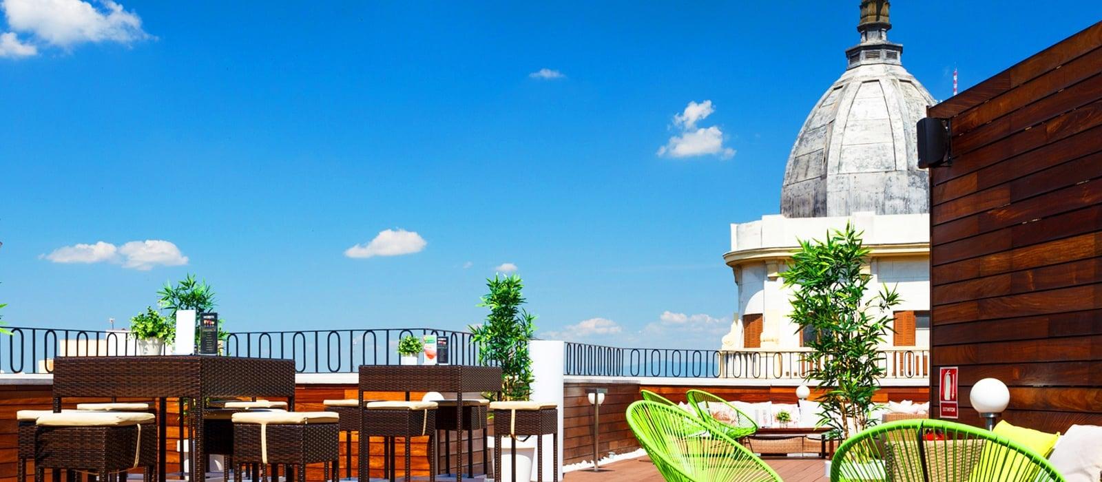 Hoteles con terraza en madrid vincci v a 66 for Hoteles con habitaciones comunicadas en madrid