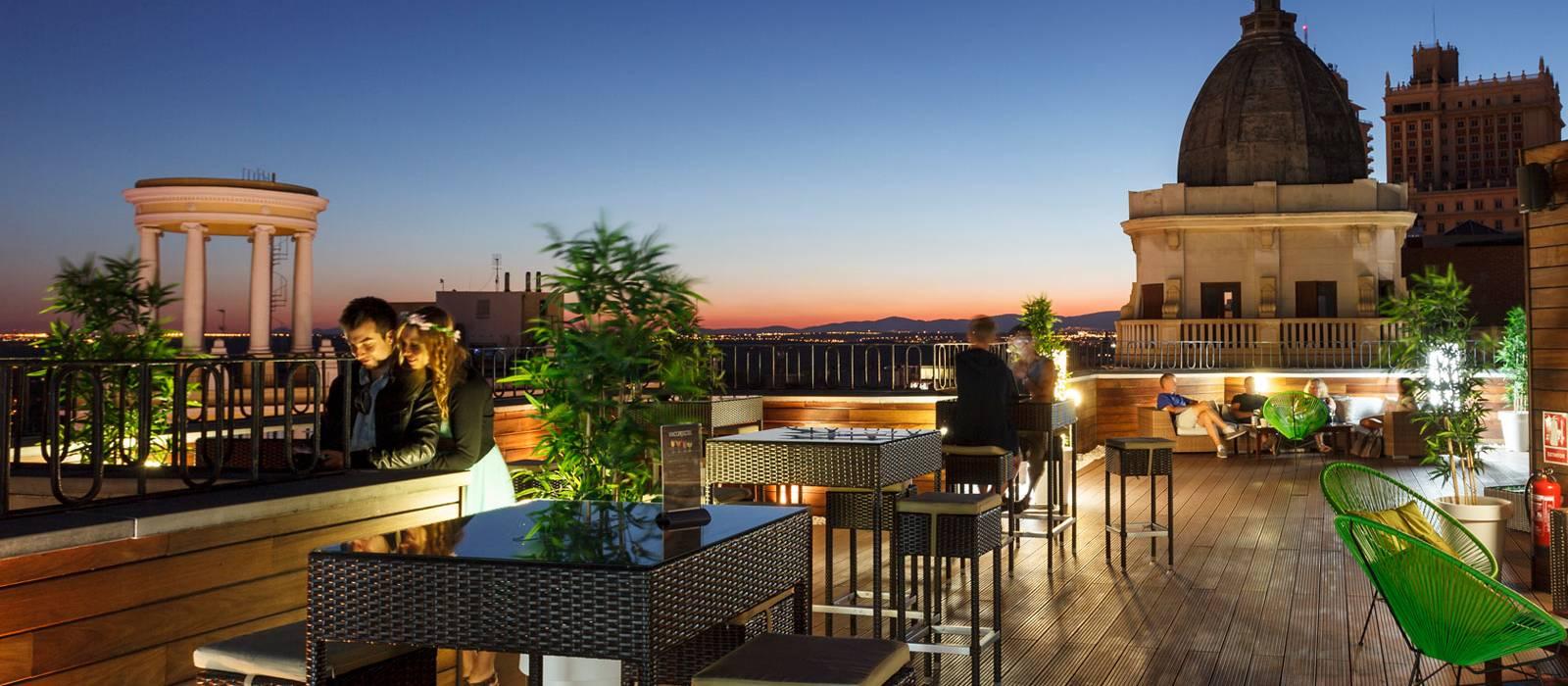 Hoteles con terraza en madrid vincci v a 66 for Casa de granada terraza madrid