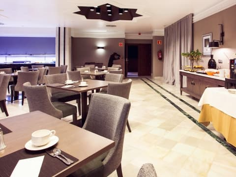 Buffet Breakfast - Vincci Albayzin 4*