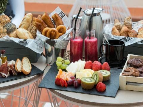 Services de Lys Hôtel Vincci Valence - Petit Déjeuner au Buffet