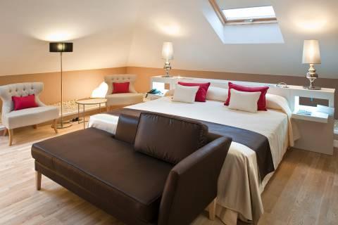 Suite Room - Vincci Selección Posada del Patio 5*
