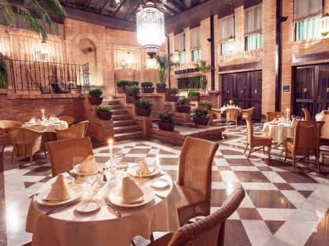 Gran Patio La Acequia Restaurant - Vincci Albayzin 4*