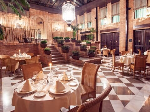 Restaurant Gran Patio La Acequia - Vincci Albayzin 4*