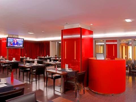Salle de petit-déjeuner - Vincci Zaragoza Zentro 4*
