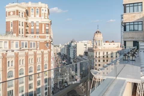 Terrace with view - Vincci Capitol 4*