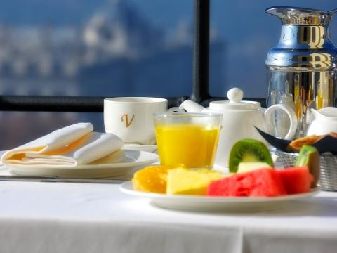 Buffet Breakfast - Vincci Mercat 4*