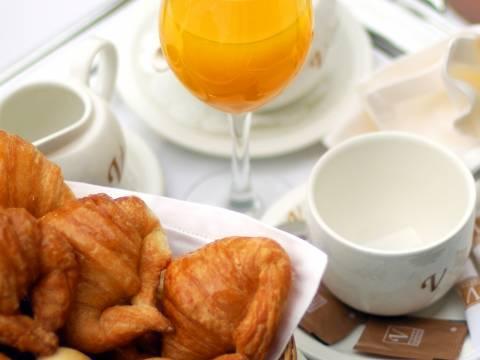 Buffet de petit-déjeuner - Vincci Zaragoza Zentro 4*
