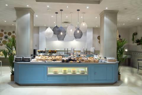 Petit Déjeuner au Buffet -  Vincci Lys 4*