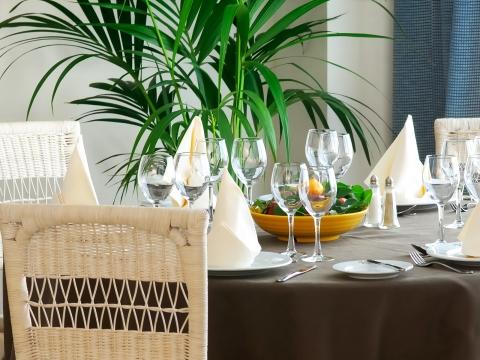 Erfreuen Sie sich an unserem abwechslungsreichen Buffet-Restaurant.