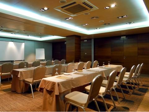 Konferenzräume - Vincci Soho 4*