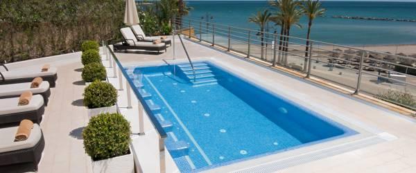 Servicios hotel vincci aleysa boutique spa piscina y for Jacuzzi piscina exterior