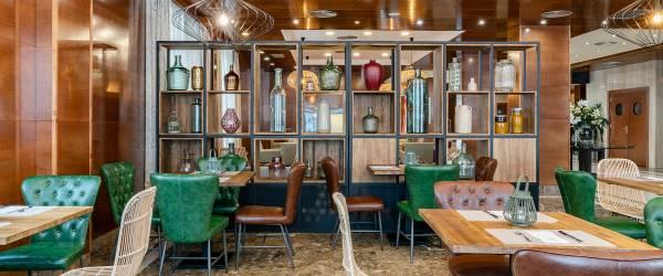 Services Hotel Vincci Ciudad de Salamanca - Bar and Lounge