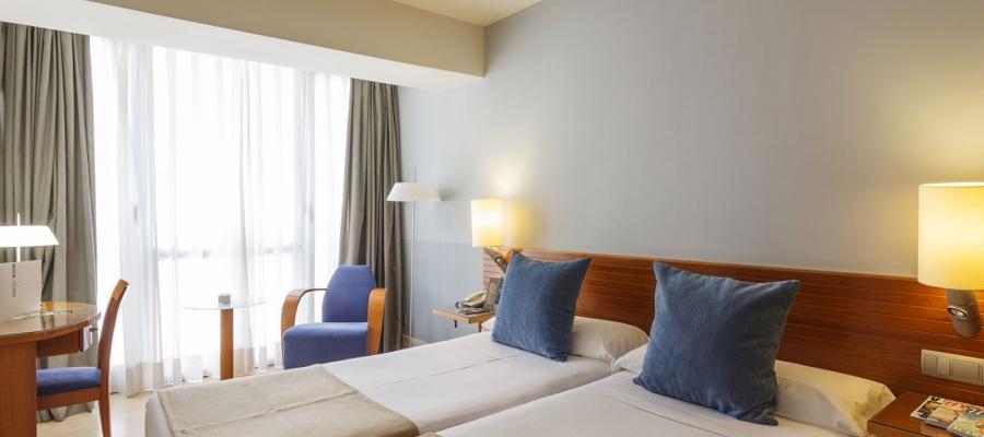 Habitación doble estándar. Hotel Vincci Santander Puertochico