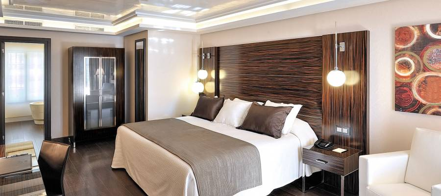 Doppelzimmer mit Lounge - Vincci Selección Aleysa Boutique&Spa 5*