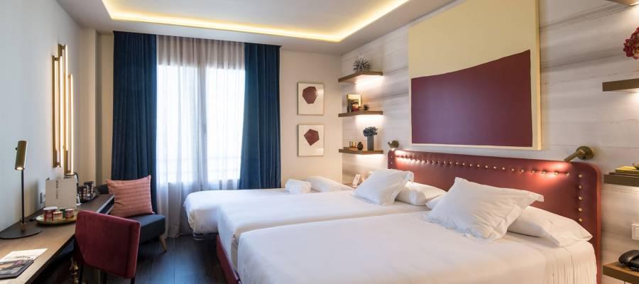Premium Zimmer - Vincci Mae 4*