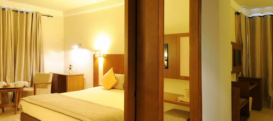 Dreibettzimmer.  Hotel Helios Beach Djerba - Vincci Hoteles