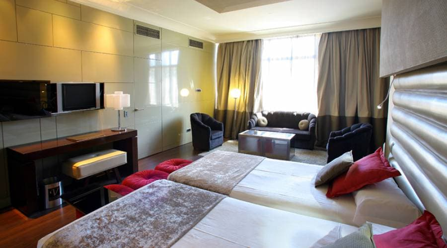 Stay 3 nights and save 15% - Vincci Capitol
