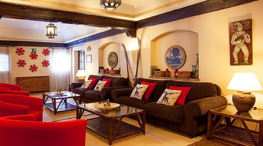 Promotions Hotel Sierra Nevada Rumaykiyya - Vincci Hotels - Book now and save -5%!