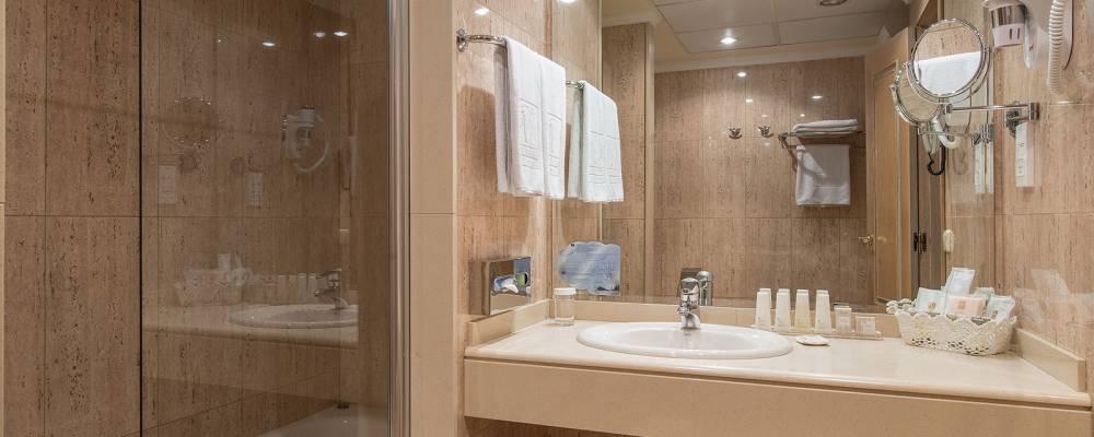 Doppelzimmer. Übernachtung im Hotel Vincci Lys in Valencia