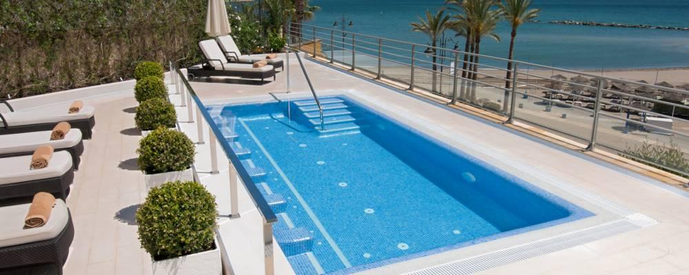 Servicios Hotel Vincci Aleysa Boutique&Spa - Piscina y Jacuzzi exterior