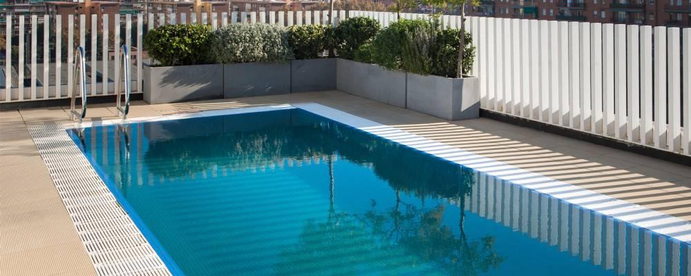 Plunge pool mit Sonnenterrasse - Vincci Bit 4*